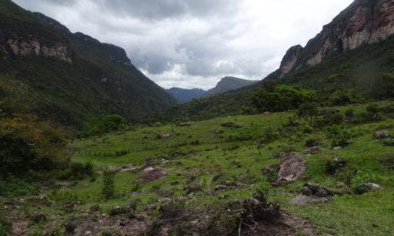 """Der Schatz im """"Diamantencanyon"""" – 50 km zu Fuß zwischen Tafelbergen in Brasilien's schönstem Tal"""