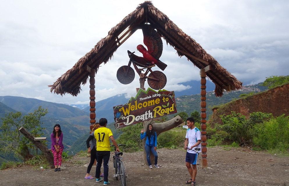 Auf den Serpentinen der bolivianischen Todesstraße