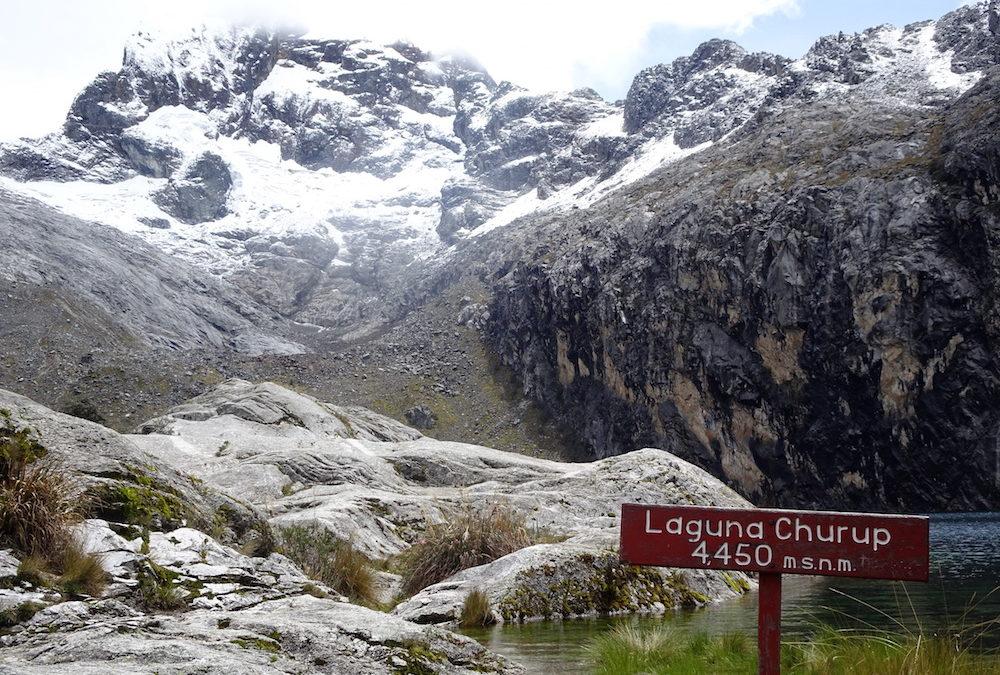 Höhenwanderungen in der höchsten tropischen Bergkette der Welt: Laguna Churup und Laguna Churupita