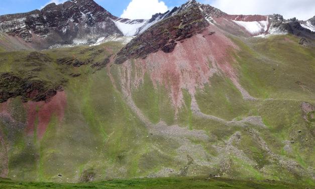 Der Rainbow Mountain als nächstes Opfer des Massentourismus!?