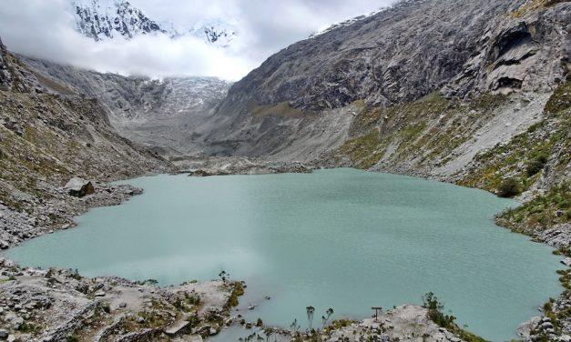 Höhenwanderungen in der höchsten tropischen Bergkette der Welt: Laguna Llaca