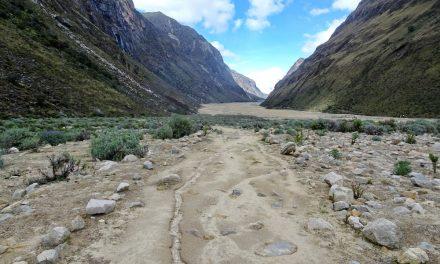 Höhenwanderungen in der höchsten tropischen Bergkette der Welt: der Santa Cruz Trek und das Alpamayo-Basecamp