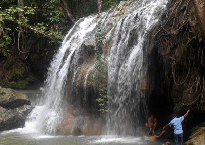 Agua Caliente vízesés, Rio Dulce