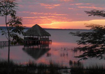 Sonnenuntergang am Lake Peten Itza