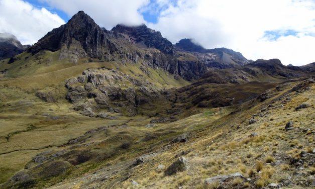 Höhenwanderungen in der höchsten tropischen Bergkette der Welt: Trekkingtour von Olleros nach Chavín de Huantar (Bildbericht)